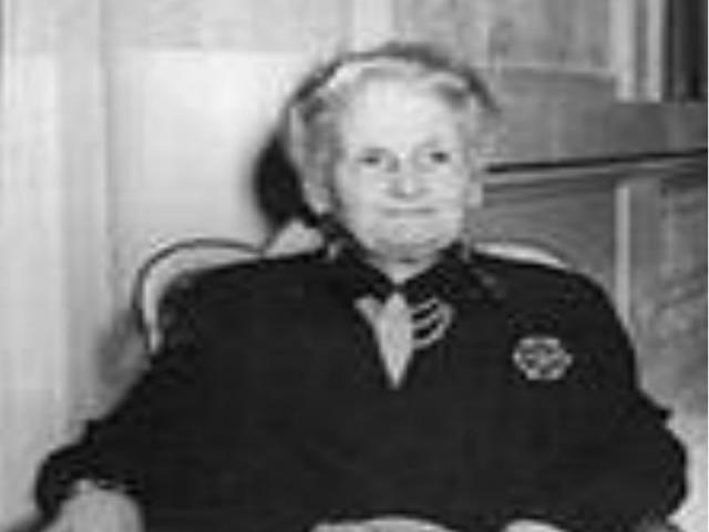 Умерла 6 мая 1952 года в г. Нордвиге