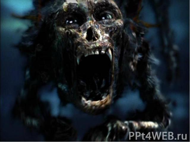 Скрытая сцена После титров идёт короткая сцена, в которой действие происходит в пещере на острове Мёртвых. Обезьянка Барбоссы подкрадывается к сундуку с золотыми бляшками и крадёт одну. В луче лунного света мы видим, что обезьянка снова становится п…