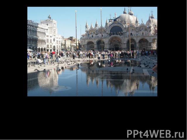 Венеция – город театрЖажда перевоплощения влечёт сотни людей раз в году в Венецию на уникальный венецианский карнавал.